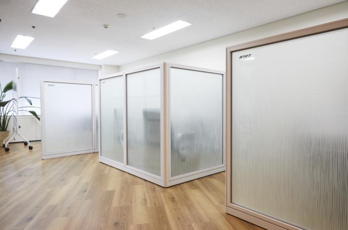 【小会議室】3つの小会議室があります。